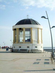 Perfekte Lage der Strandvilla Möwennest: Musik und Trubel, Gastlichkeit und leckeres Essen